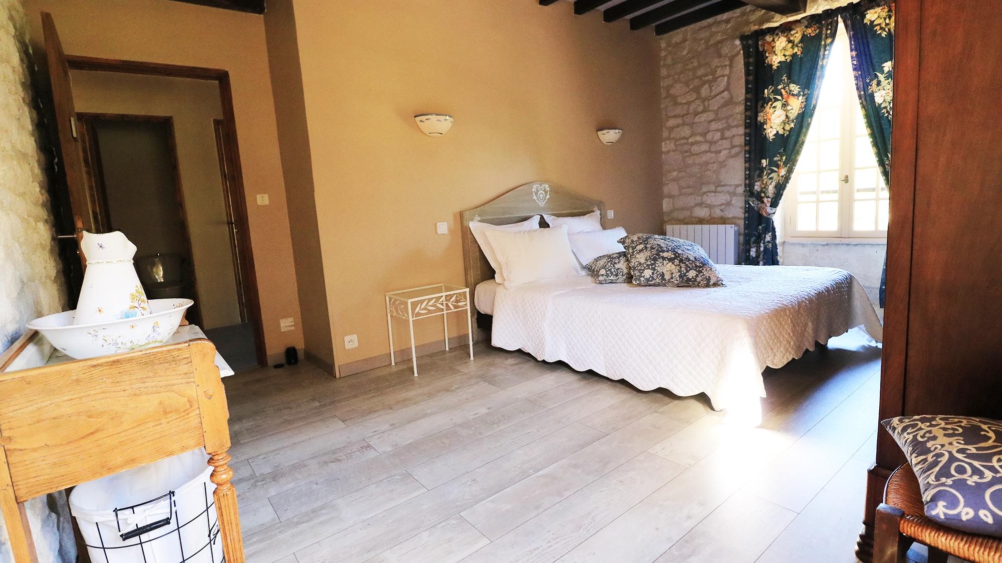 Suite Chambre d'hotes Les Iris Montaigu De Quercy La Quercynoise